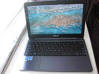 Легкий компактный ноутбук ASUS VivoBook E12 E203NA-img_2827.jpg
