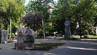 Ищу адреса памятников Т.Г.Шевченко в г. Хмельницкий (их несколько, да?)-skver_shevchenka_u_hmelnickomu_04.jpg